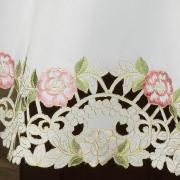 Toalha de Mesa com Bordado Richelieu Redonda 180cm - Anelise Branco e Rosa - Dui Design