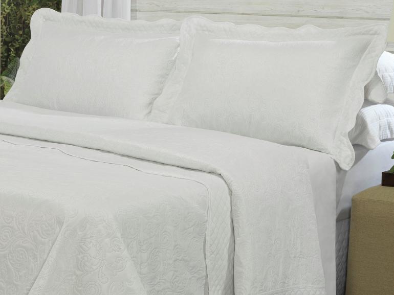 Kit: 1 Cobre-leito Queen Bouti de Microfibra Ultrasonic + 2 Porta-travesseiros - Antibes Brancos - Dui Design
