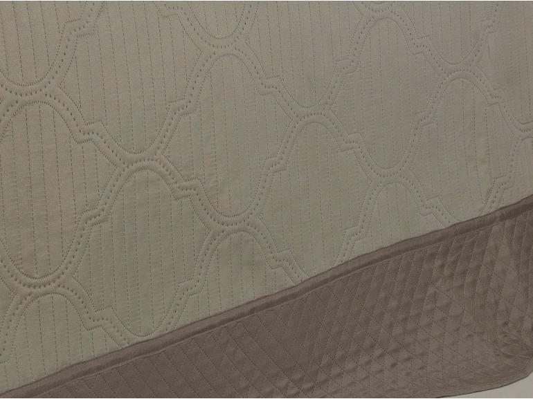Kit: 1 Cobre-leito Casal Bouti de Microfibra Ultrasonic + 2 Porta-travesseiros - Assis Bege Taupe - Dui Design