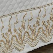 Saia para cama Box Matelassada com Bordado Inglês Casal - Astoria Branco e Caqui - Dui Design