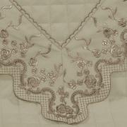 Enxoval 10 peças com Cobre-leito Casal Percal 200 fios com Bordado Inglês - Astoria Castanho - Dui Design