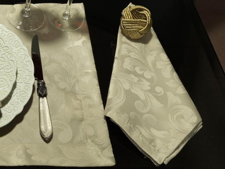 Kit: 4 Guardanapos 50x50cm - Baroque Bege - Dui Design