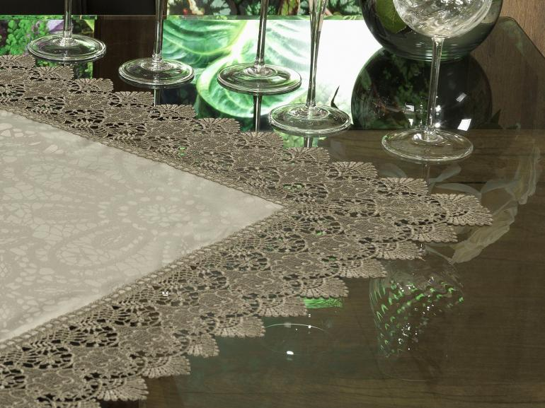 Centro de Mesa com Bordado Guipir Fácil de Limpar 85x85cm Avulso - Beatrice Bege e Taupe - Dui Design