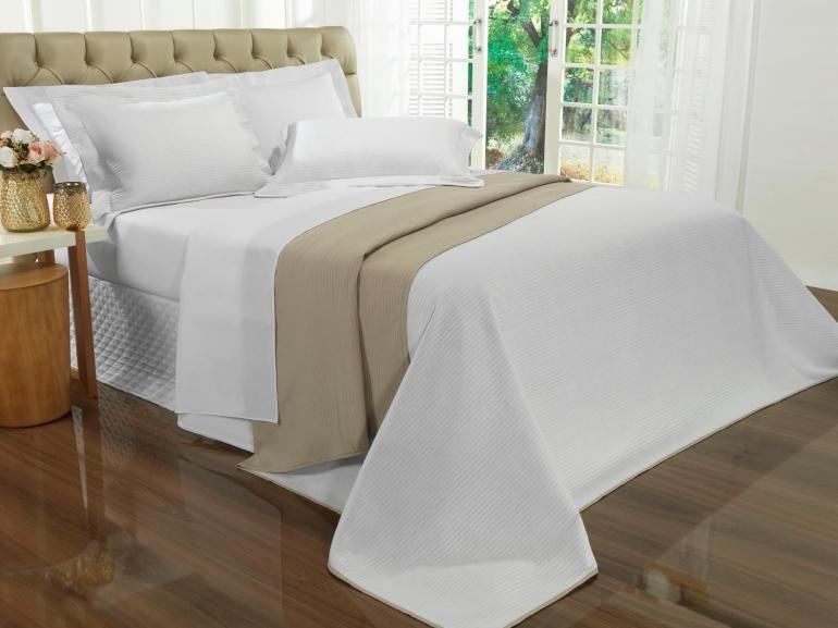 Kit: 1 Cobre-leito Queen Bouti de Microfibra Ultrasonic + 2 Porta-travesseiros - Brios Branco e Bege - Dui Design