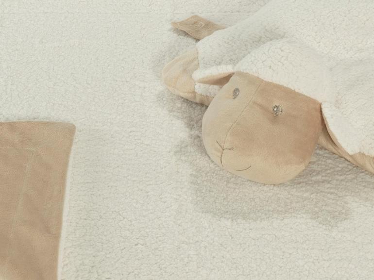 Kit: 1 Cobertor Baby Pele de Carneiro Sherpa + 1 Almofada Baby Kids de Bichinhos - Carneirinho Bege Sherpa - Dui Design