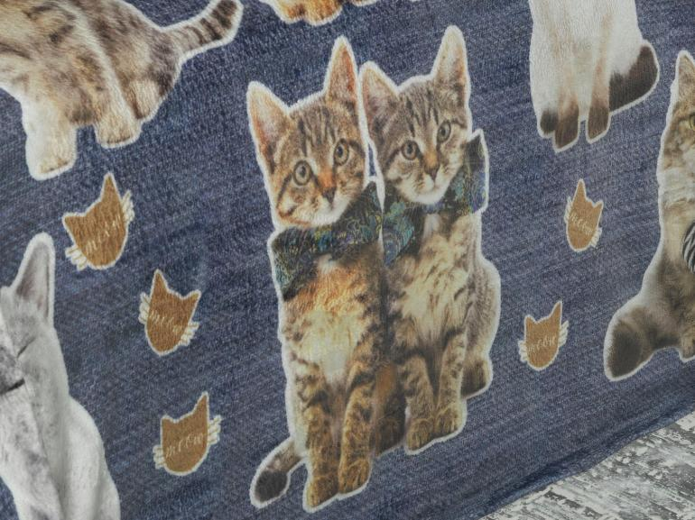 Cobertor Avulso Casal Flanelado com Estampa Digital 280 gramas/m² - Cat Jeans - Dui Design