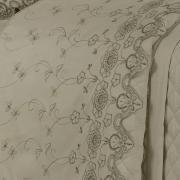 Enxoval 10 peças com Cobre-leito Queen Cetim de Algodão 300 fios com Bordado Inglês - Classic Bege - Dui Design