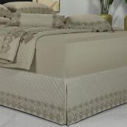 Saia para cama Box Matelassada com Bordado Inglês Casal - Classic Bege - Dui Design