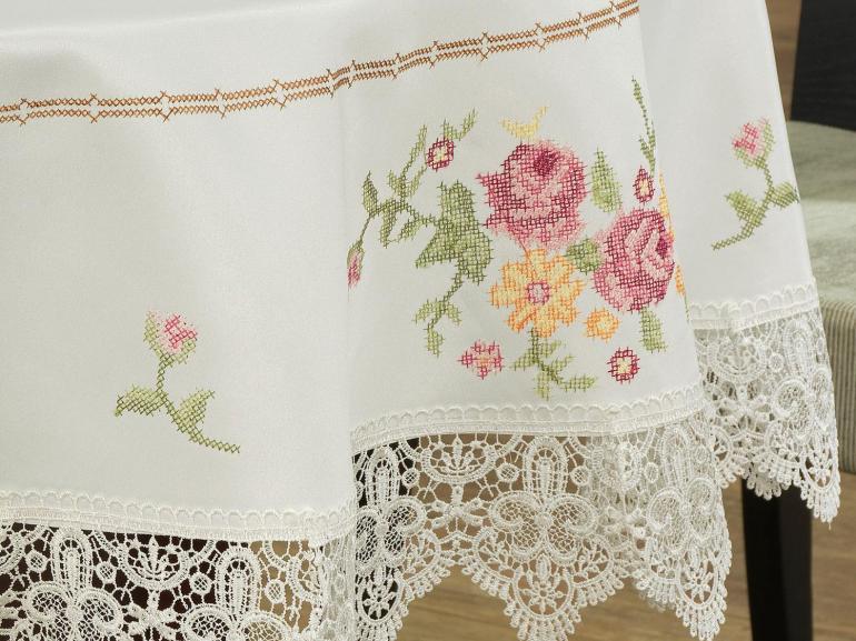 Toalha de Mesa com Bordado Richelieu Redonda 180cm - Cristina Natural e Rosa - Dui Design