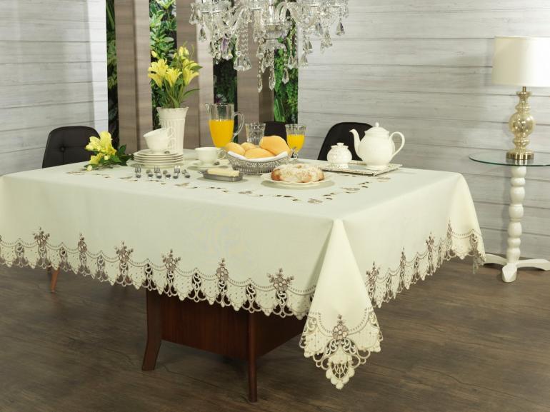 Toalha de Mesa com Bordado Richelieu Quadrada 4 Lugares 160x160cm - Donatela Bege - Dui Design