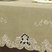 Toalha de Mesa com efeito Linho e com Bordado Richelieu Retangular 6 Lugares 160x220cm - Doris Bege - Dui Design