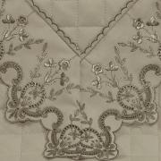 Enxoval 10 peças com Cobre-leito Queen Percal 200 fios com Bordado Inglês - Dover Castanho - Dui Design