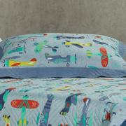 Kit: 1 Cobre-leito Casal Kids Bouti de Microfibra PatchWork Ultrasonic + 2 Porta-travesseiros - Dusty Azul - Dui Design