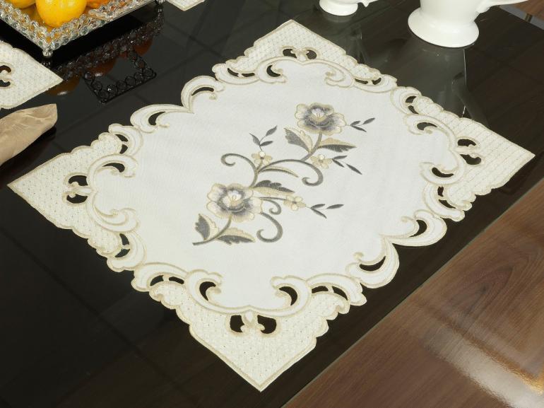 Jogo Americano 4 Lugares (4 peças) com Bordado Richelieu 35x50cm - Elenice Bege - Dui Design