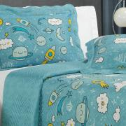 Kit: 1 Cobre-leito Solteiro Kids Bouti de Microfibra PatchWork Ultrasonic + 1 Porta-travesseiro - Espaço Azul - Dui Design