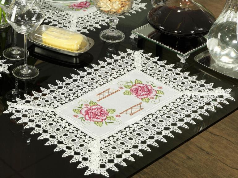 Jogo Americano 4 Lugares (4 peças) com Bordado Richelieu 35x50cm - Flora Natural e Rosa - Dui Design