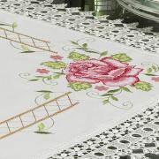 Centro de Mesa Quadrado com Bordado Richelieu 85x85cm - Flora Natural e Rosa - Dui Design