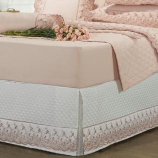 8d55079bef Saia para cama Box Matelassada com Bordado Inglês Casal - Florata Branco e  Rosa Velho - Dui Design