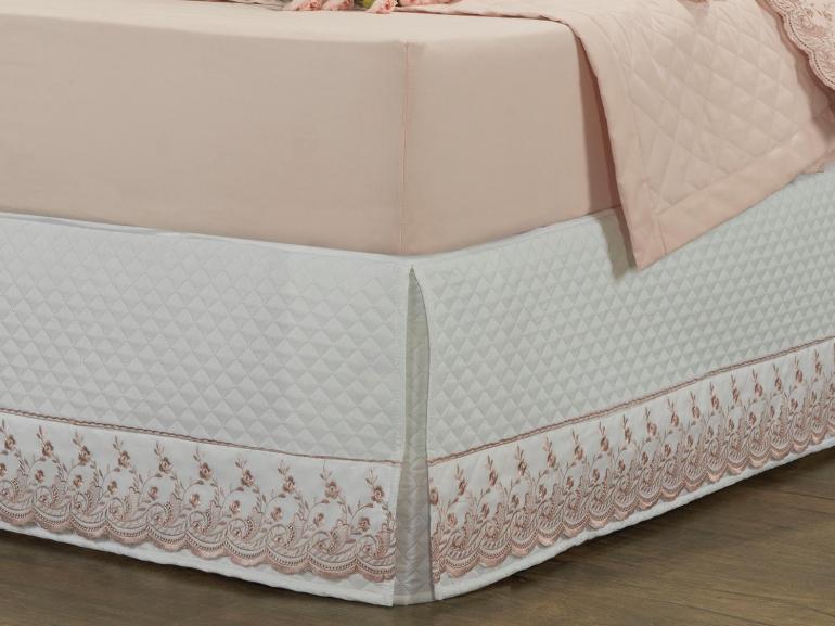 Saia para cama Box Matelassada com Bordado Inglês Queen - Florata Branco e Rosa Velho - Dui Design