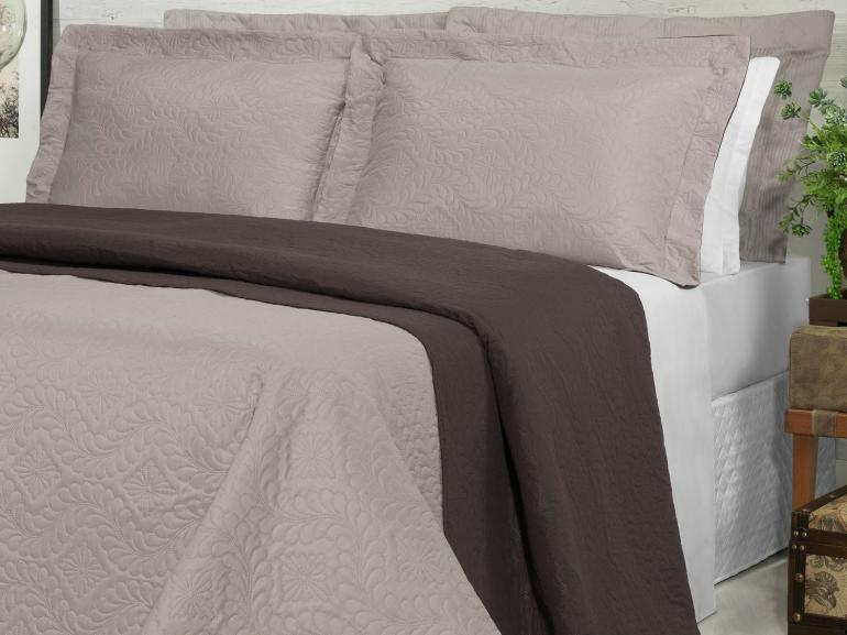 Kit: 1 Cobre-leito Queen Bouti de Microfibra Ultrasonic + 2 Porta-travesseiros - Haven Noz Moscada - Dui Design