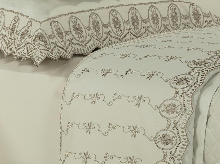 Jogo de Cama Queen Percal 200 fios com Bordado Inglês - Lucerna Bege - Dui Design