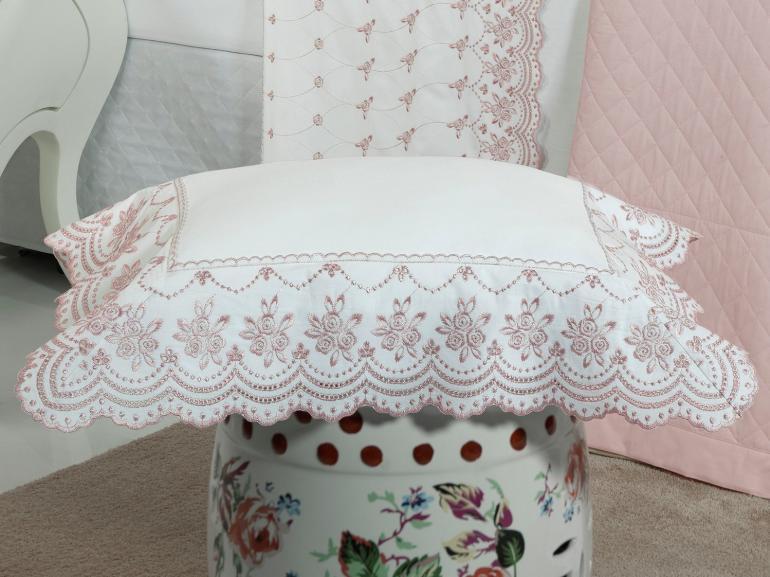 Jogo de Cama Queen Percal 200 fios com Bordado Inglês - Marselha Branco e Rosa - Dui Design