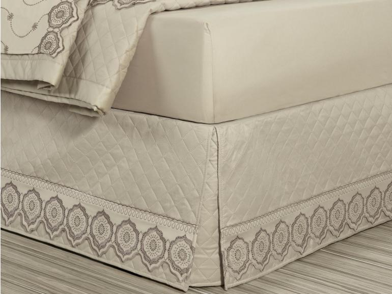 Saia para cama Box Matelassada com Bordado Inglês Solteiro - Medallion Bege - Dui Design