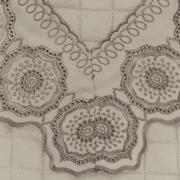 Jogo de Cama Queen Cetim de Algodão 300 fios com Bordado Inglês - Medallion Bege - Dui Design