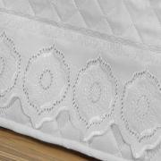 Saia para cama Box Matelassada com Bordado Inglês Queen - Medallion Branco - Dui Design