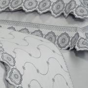 Enxoval 10 peças com Cobre-leito Queen Cetim de Algodão 300 fios com Bordado Inglês - Medallion Cinza - Dui Design
