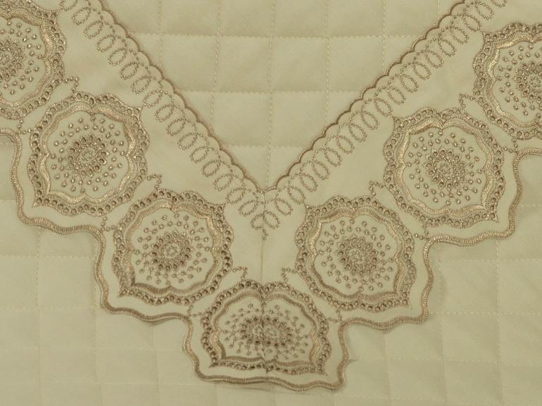 Enxoval 10 peças com Cobre-leito King Cetim de Algodão 300 fios com Bordado Inglês - Medallion Marfim e Bege  - Dui Design