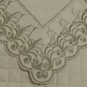 Enxoval 10 peças com Cobre-leito King Cetim de Algodão 300 fios com Bordado Inglês - Medici Bege - Dui Design