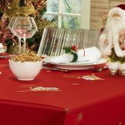 Toalha de Mesa Natal com Bordado Richelieu Retangular 6 Lugares 160x220cm - Noeli Vermelho - Dui Design