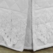 Saia para cama Box Matelassada com Bordado Inglês Queen - Palazzo Branco - Dui Design