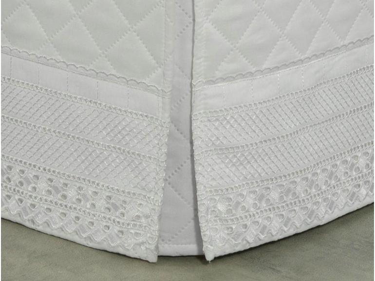 Saia para cama Box Matelassada com Bordado Inglês Queen - Passini Branco - Dui Design