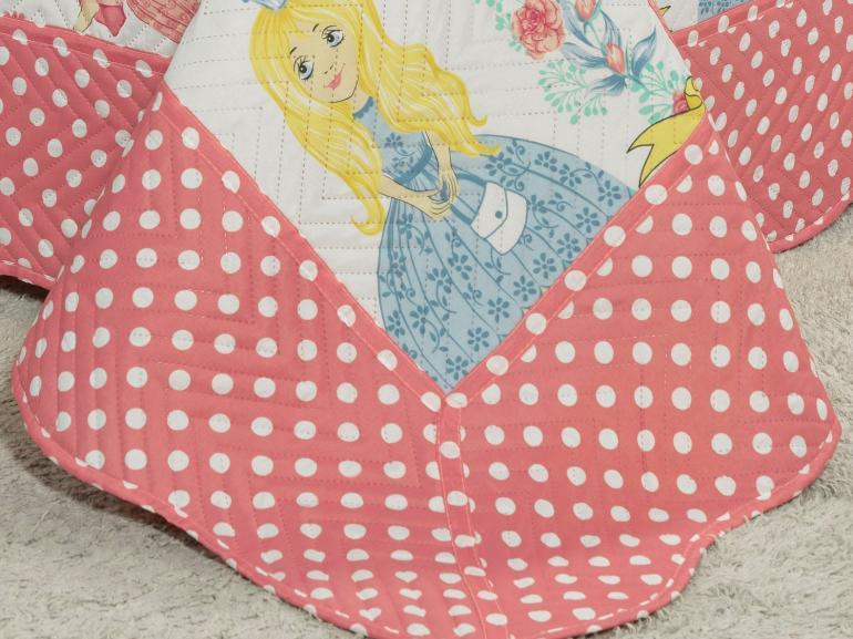 Kit: 1 Cobre-leito Casal Kids Bouti de Microfibra PatchWork Ultrasonic + 2 Porta-travesseiros - Princesas Rosa - Dui Design