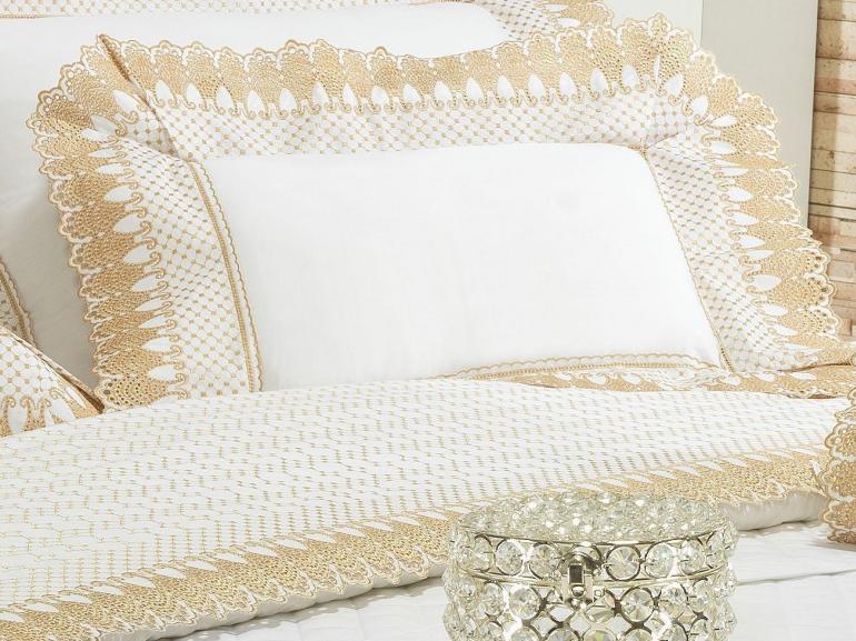 Jogo de Cama Casal Percal 200 fios com Bordado Inglês - Princess Branco e Dourado - Dui Design