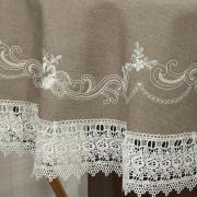 Toalha de Mesa com Bordado Richelieu Redonda 180cm - Ravena Taupe - Dui Design
