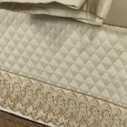 Saia para cama Box Matelassada com Bordado Inglês Queen - Regence Natural e Gold - Dui Design