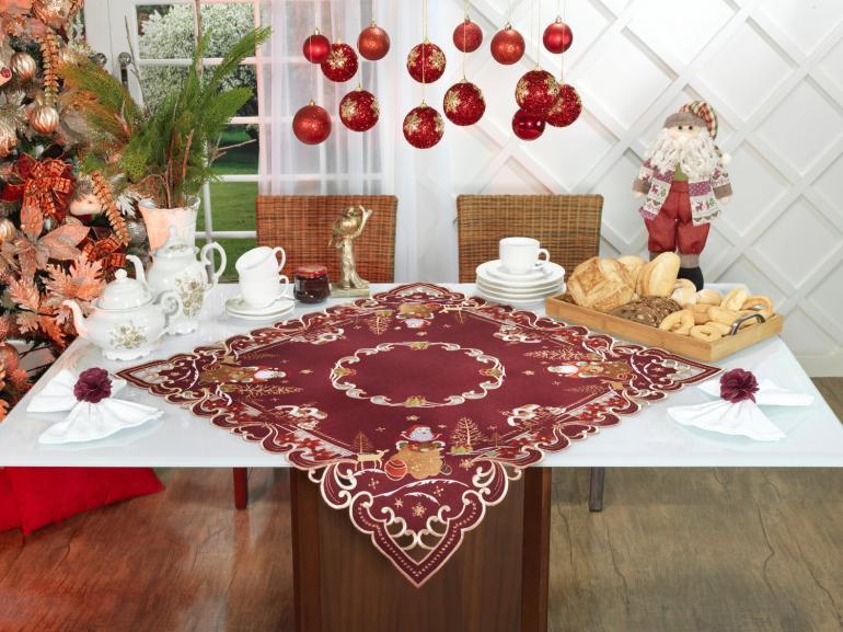Centro de Mesa Natal Quadrado com Bordado Richelieu 85x85cm - Santa Claus Vermelho - Dui Design
