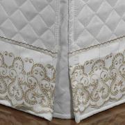 Saia para cama Box Matelassada com Bordado Inglês Queen - Venice Branco e Camurça - Dui Design