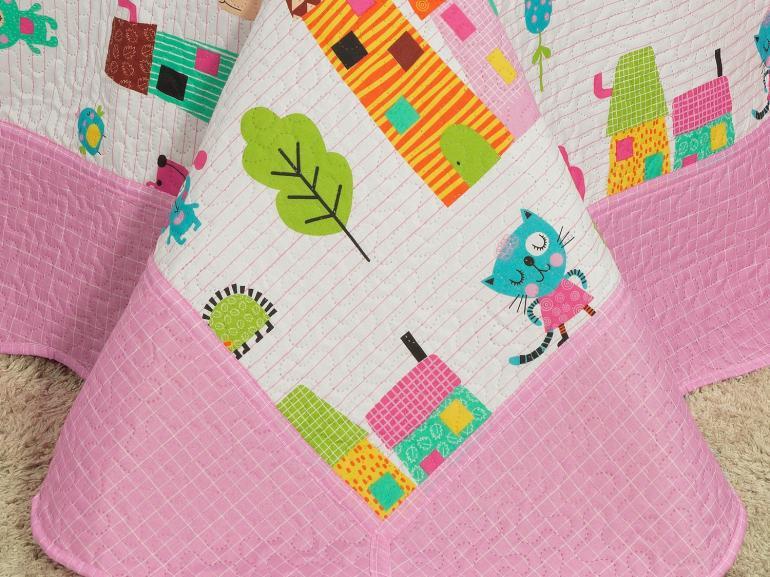 Kit: 1 Cobre-leito Solteiro Kids Bouti de Microfibra PatchWork Ultrasonic + 1 Porta-travesseiro - Vila Encantada - Dui Design