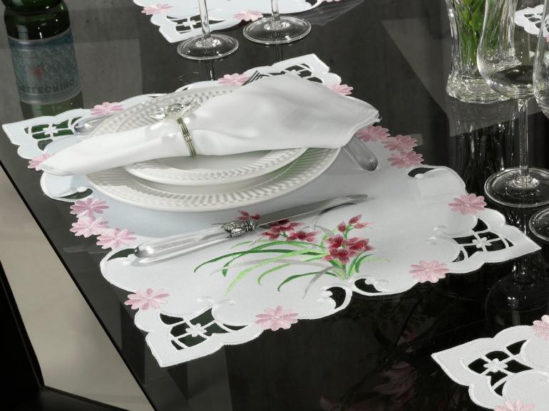 Jogo Americano 4 Lugares (4 peças) com Bordado Richelieu 35x50cm - Vivian Rosa - Dui Design